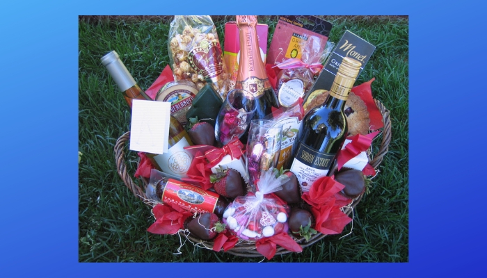 Plan a gift basket for him