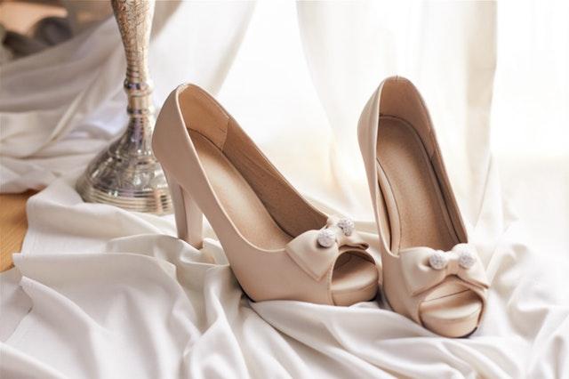 close-up-elegant-fashion-1445696